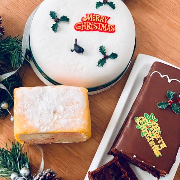Doreens Bakery - Christmas Cakes 1
